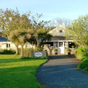 St Davids Cathedral Hotels - The Waterings B&B