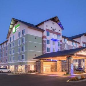 Holiday Inn Express & Suites - Seattle South - Tukwila an IHG Hotel