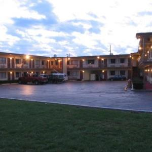 Hotels near Loeb Playhouse - Campus Inn