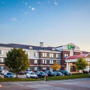 Prairie Meadows Hotels - Holiday Inn Express Hotel & Suites Altoona-des Moines