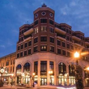 Hotels near Grand Theater Wausau - Jefferson Street Inn
