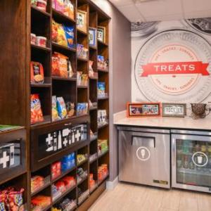 Oriental Theater Denver Hotels - Hampton Inn & Suites Denver-speer Boulevard