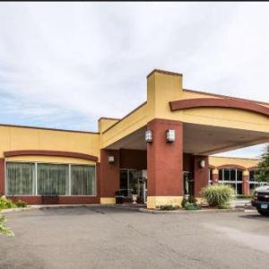 Hotels near The Outer Space Hamden - Clarion Hotel & Suites Hamden-New Haven