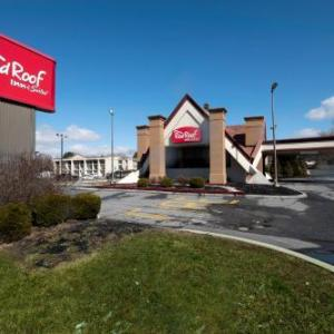 Hotels near Delaware Stadium - Red Roof Inn And Suites Newark - University