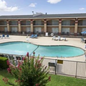 Sawyer Center Hotels - Howard Johnson Oklahoma City Airport