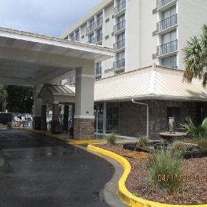 MUSC Health Stadium Hotels - Charleston Grand Hotel