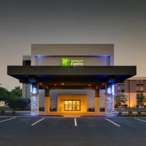 Hotels near Flyers Skate Zone Voorhees - Holiday Inn Express Voorhees/Mt. Laurel