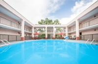 Baymont Inn & Suites Mobile Image