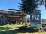 Bend Oregon Hotels - Red Lion Inn & Suites Deschutes River -Bend