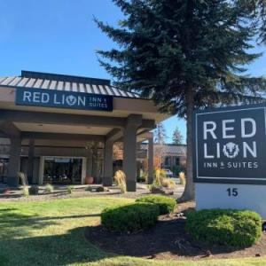 Red Lion Inn & Suites Deschutes River-bend