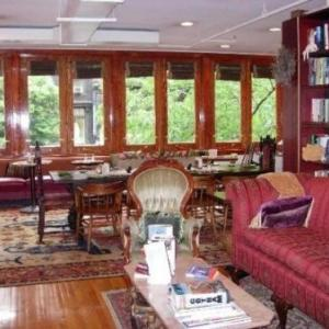 Liberty National Golf Club Hotels - The Townhouse Inn Of Chelsea