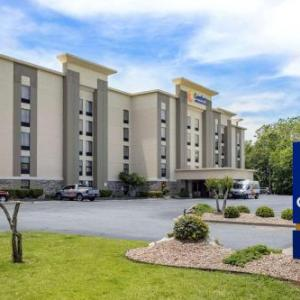 Statehouse Convention Center Hotels - Comfort Inn & Suites Little Rock Airport