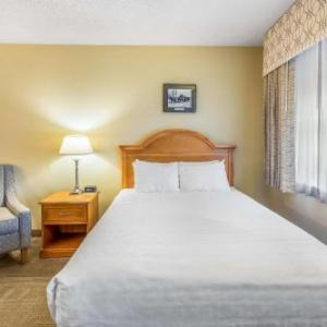 Hotels near Friends Community Church Fairbanks - Regency Fairbanks Hotel