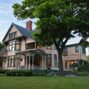 Hotels near Morris Performing Arts Center - The Oliver Inn