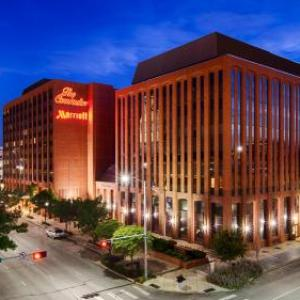 Eagle Raceway Hotels - The Lincoln Marriott Cornhusker Hotel