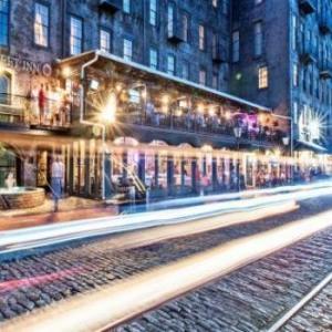 Hotels near Trustees Theater - River Street Inn