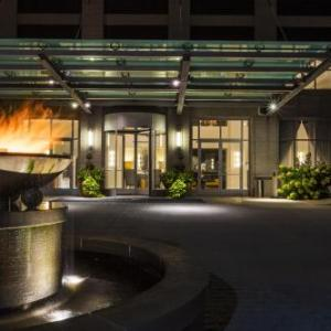 Redstone Room Hotels - Hotel Blackhawk Autograph Collection
