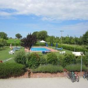 Book Now Quiete (Borgonuovo, Italy). Rooms Available for all budgets. Set in Borgonuovo Quiete features a garden and outdoor pool. Siena is 48 km away. Free WiFi is offered .All units have a dining area and a seating area with a satellite TV. Th