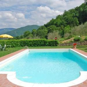 Book Now Paolo (Dicomano, Italy). Rooms Available for all budgets. Offering a garden Paolo is located in Dicomano 25 km from Florence. Prato is 34 km away. Free WiFi is available throughout the property.The accommodation is equipped with a se