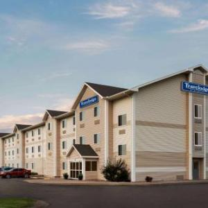 Hotels near Wild West Arena North Platte - Baymont By Wyndham North Platte