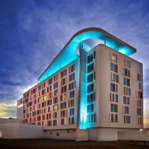 Hotels near Edmonton International Airport - Renaissance Edmonton Airport Hotel