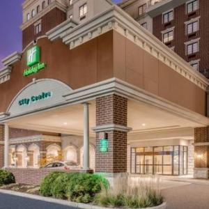Hotels near Lafayette Jefferson High School - Holiday Inn Lafayette-City Centre