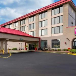 Hotels near Victory Church Lakeland - Ramada Lakeland Hotel