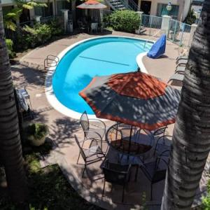 Hotels near Cal State Northridge - Tarzana Inn