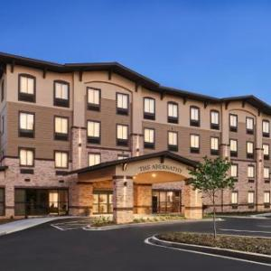 Littlejohn Coliseum Hotels - The Abernathy