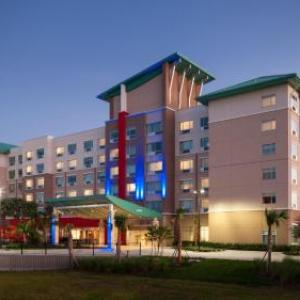 Holiday Inn Express & Suites -Orlando At Seaworld