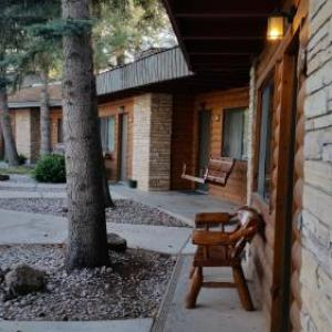 West Winds Lodge
