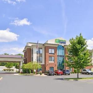 Holiday Inn Express Hotel & Suites Youngstown - North Lima/board