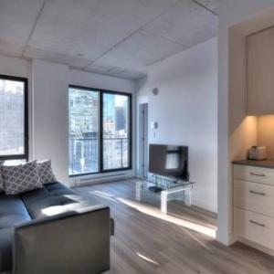 Book Now Old Montreal - 2 Bedroom Apartment (Montreal, Canada). Rooms Available for all budgets. Old Montreal - 2 Bedroom Apartment is located in Montréal in the Quebec Region 500 metres from Notre Dame Basilica Montreal Convention Centre and Old Port of Montreal. Paid