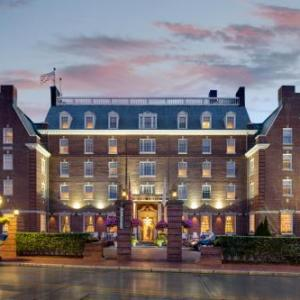 Hotels near The Elms Newport - Hotel Viking