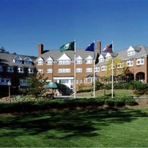 Simsbury Performing Arts Center Hotels - Simsbury Inn