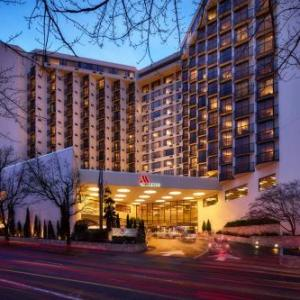 Hotels near Lewis and Clark College - Portland Marriott Downtown Waterfront