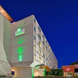 Tointon Family Stadium Hotels - Holiday Inn MANHATTAN AT THE CAMPUS