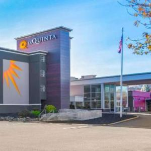 Upper Montclair Country Club Hotels - La Quinta Inn & Suites Clifton
