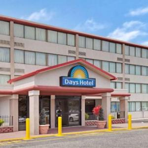Hotels near Louis Brown Athletic Center - Days Hotel & Conference Center By Wyndham East Brunswick