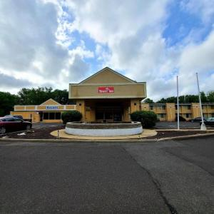 Hotels near New Egypt Speedway - Ramada Bordentown