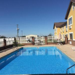 Days Inn By Wyndham Lake Village