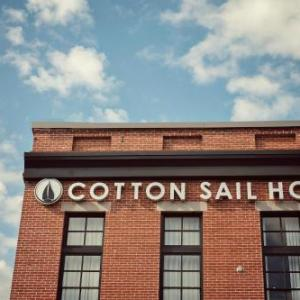 Hotels near Johnny Mercer Theatre - The Cotton Sail Hotel