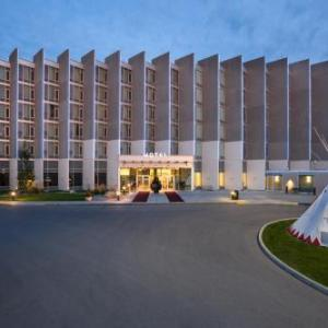 Hotels near Mount Royal University - Grey Eagle Resort