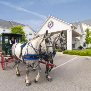 Hotels near Shipshewana Event Center - Blue Gate Garden Inn