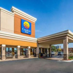 Hotels near Grosse Pointe War Memorial - Comfort Inn