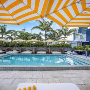 Miami Beach Convention Center Hotels - Catalina Hotel & Beach Club