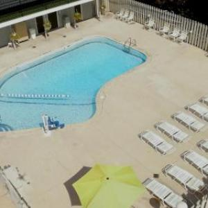 Weko Beach Hotels - Super 8 Stevensville
