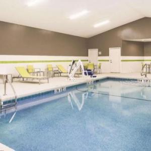 Hotels near GUSU Centennial Center - La Quinta Inn & Suites Milledgeville