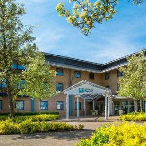 Hotels near The Stables Milton Keynes - Holiday Inn Express Milton Keynes