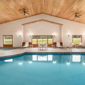 Country Inn & Suites by Radisson Detroit Lakes MN